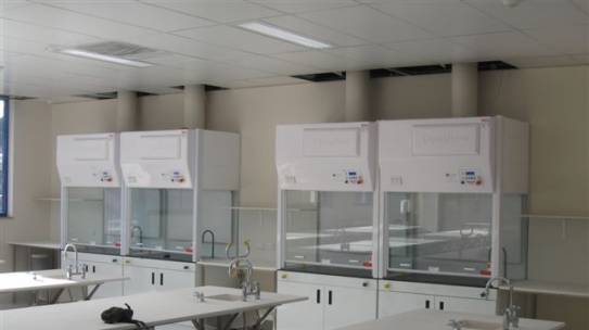 Dynaflow SCH – Single Sided Fume Hood