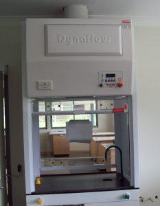 Dynaflow DSCH - Double Sided Fume Hood